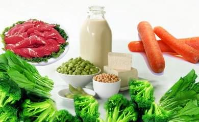 Cần bổ sung các loại thực phẩm giàu chất sắt.